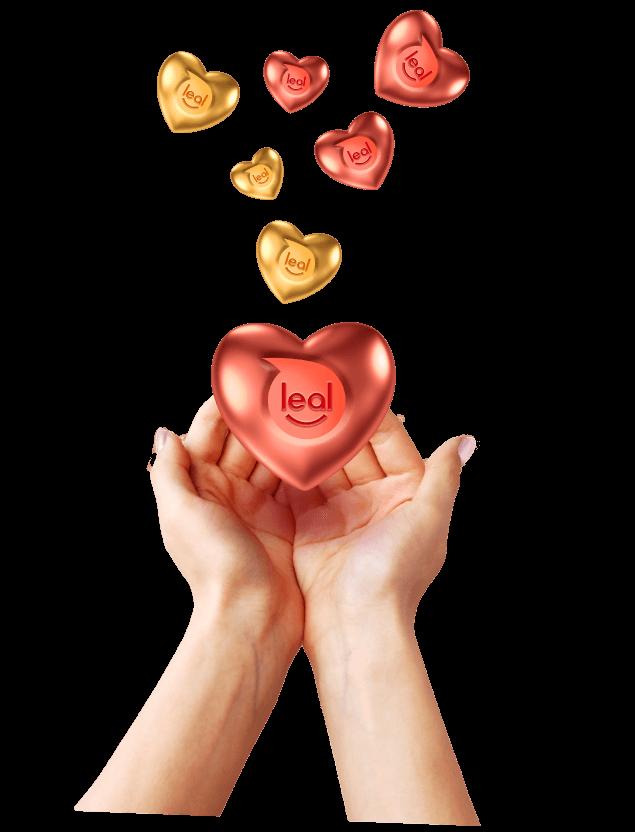 Imagen de una mano sosteniendo corazones